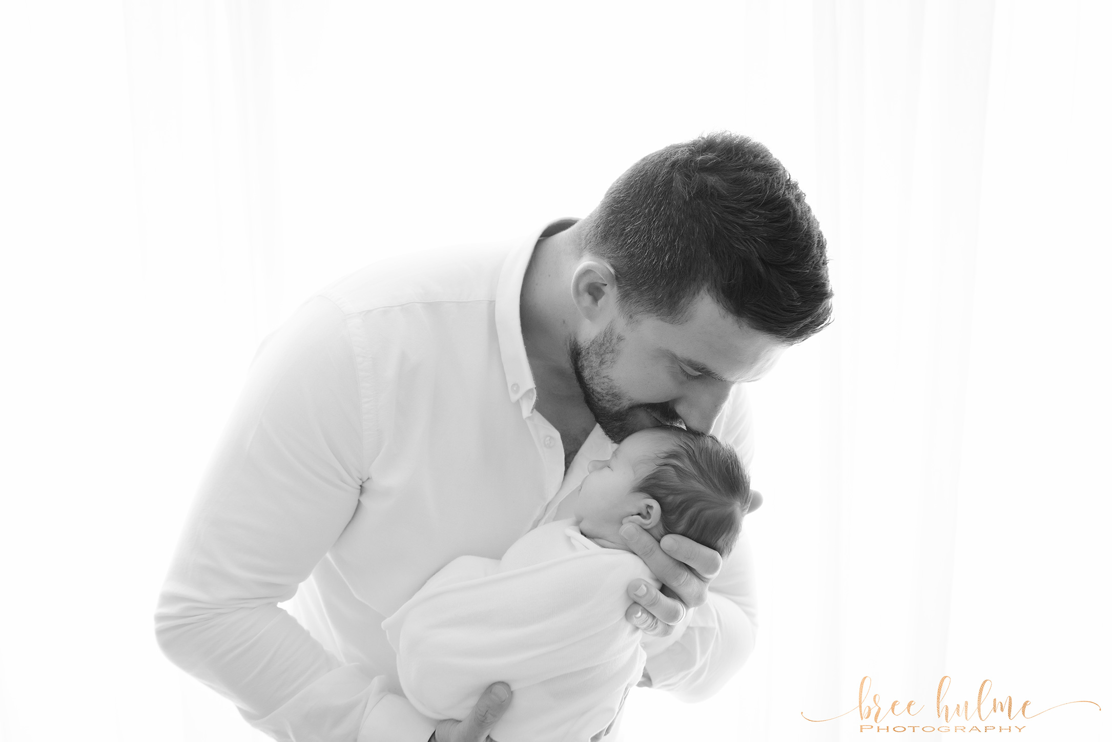 Bree Hulme Photography Sydney's premier newborn and family photographer Father and child happy father's Day