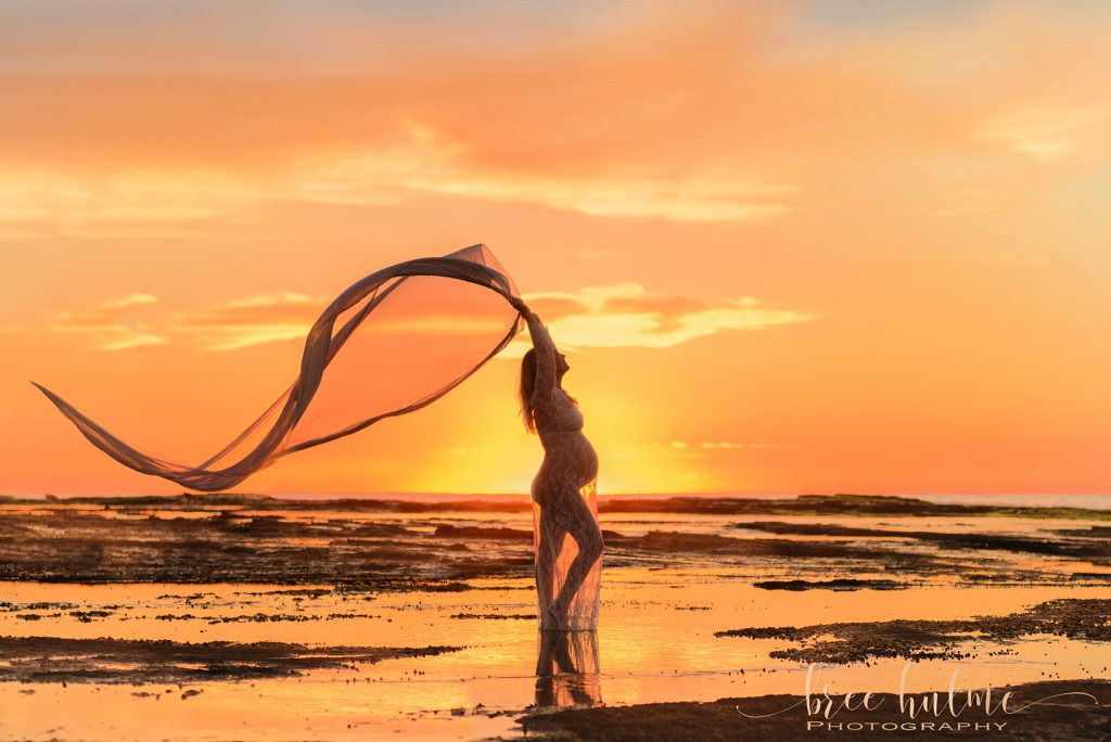 What to wear for your Maternity Portraits outdoors or in studio pregnancy photos By Bree Hulme Photography on Sydney's Northern Beaches and North Shore sunrise silhouettes